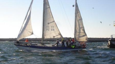 Sailing yacht type J-80 13m