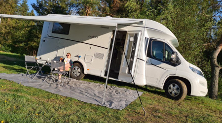 self-contained motorhome DETHLEFFS TREND