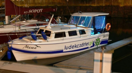 WEEKEND 820 houseboat 8,2 m
