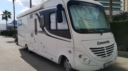 Credo 833 L with TV, solar and hook
