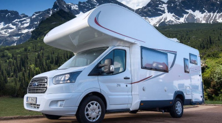 Roller Ford Transit 2.0 TDCi with a bright interior