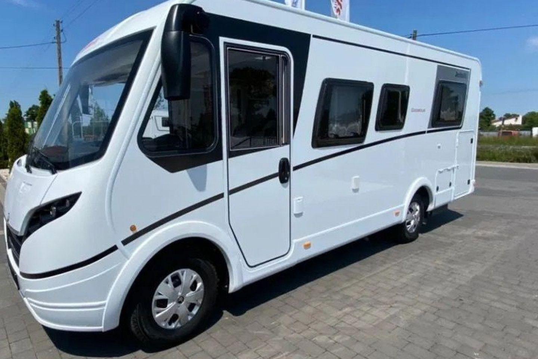Globebus I 7 with solar panels