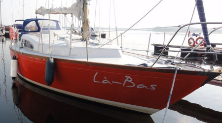 "Dufour Arpege 30 ""Là-bass"" with life raft"