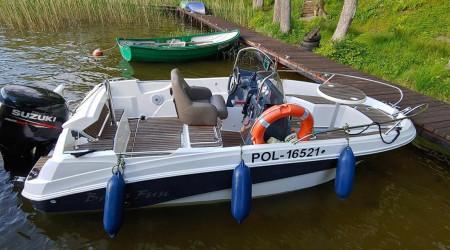 AM 470 plain motorboat with Suzuki engine