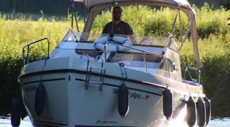 Motor yacht Delphin Nano no licence needed