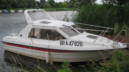 POLO motor yacht without a licence