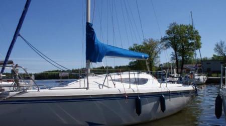 Sailing yacht Maxus 24