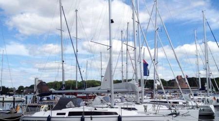 Comfortable sailing yacht Bavaria 33 Cruiser