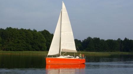 Elegant sailing yacht Cobra 33 9.93m