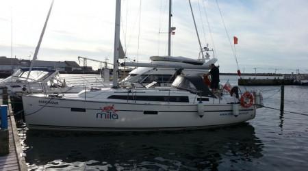 Sea sailing yacht Bavaria 37 Cruise
