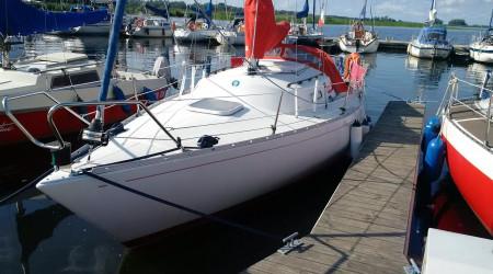 MATI ALBIN ACCENT 26 with fishfinder