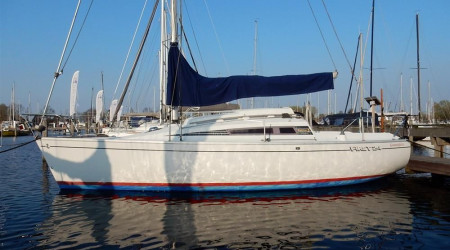 ACUS BENETEAU FIRST 24 with stove
