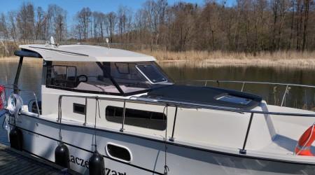 Comfortable, fully equipped 2019 NAUTIKA 830 MC