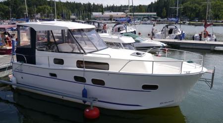 Nautika 830 walking houseboat