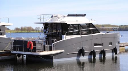 "Modern houseboat Futura 40 ""Solano"" 12 m"