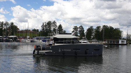 "Luxurious houseboat Futura 40 ""Surazo"" 12 m"