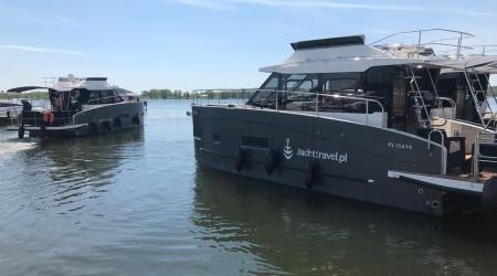 "Comfortable houseboat Futura 40 ""Sajkan"" 12 m"