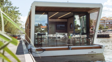 Unique Nomadream houseboat