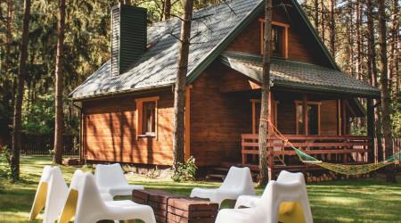 Wooden old house in Jarzębinowa