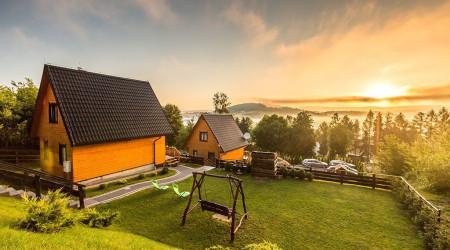 Cabin by Solina Dam II
