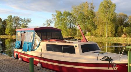 Houseboat Weekend 820 Netta