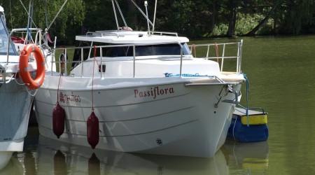 Motor Yacht Laguna 700 Cruiser